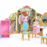 barbie-as-the-island-princess-getting-ready-with-tallulah-playset