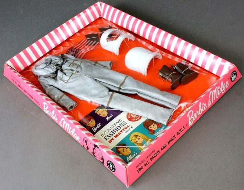 barbie-miss-astronaut-outfit