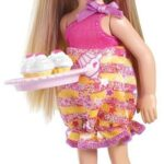 barbie-my-fab-family-chelsea-with-cupcakes