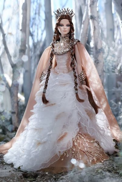 lady-of-the-white-woods-barbie